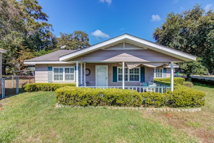 1513 Westward Dr, Gulfport, MS 39501