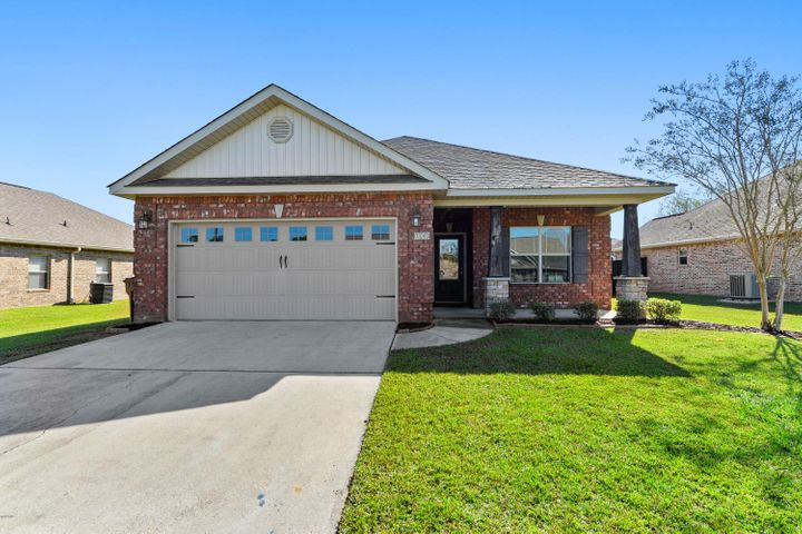 13247 Sandy Brook Dr, Gulfport, MS 39503