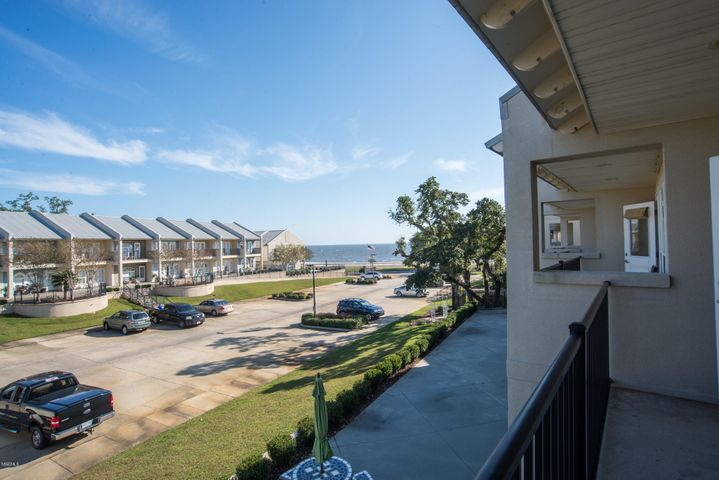 548 W Beach Blvd, 135, Long Beach, MS 39560