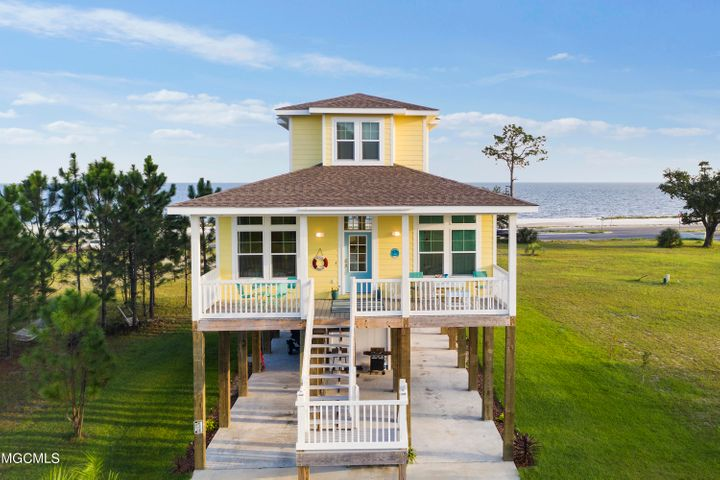 4 Sea View Cir, Long Beach, MS 39560