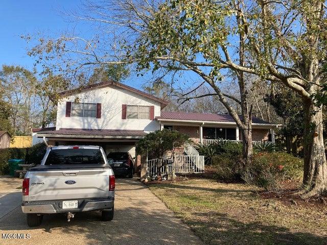 9026 Ridge Rd, Gulfport, MS 39503