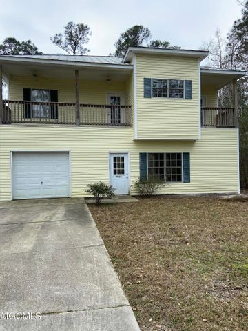 4111 7th Ave, Bay St. Louis, MS 39520