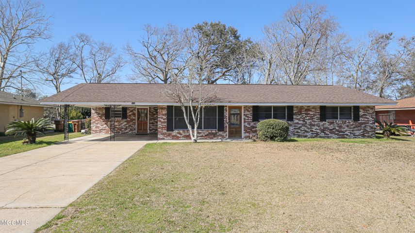 326 Lynwood Cir, Long Beach, MS 39560