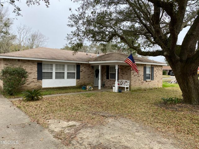 1104 Alverado Dr, Long Beach, MS 39560