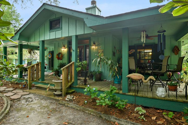401 Turner St, Waveland, MS 39576