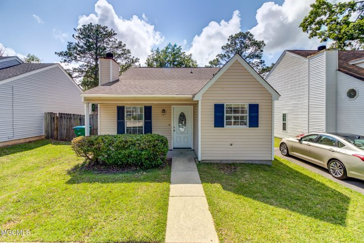 12305 Windward Dr, Gulfport, MS 39503