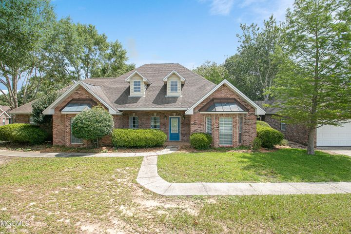 14086 N White Swan Dr, Gulfport, MS 39503