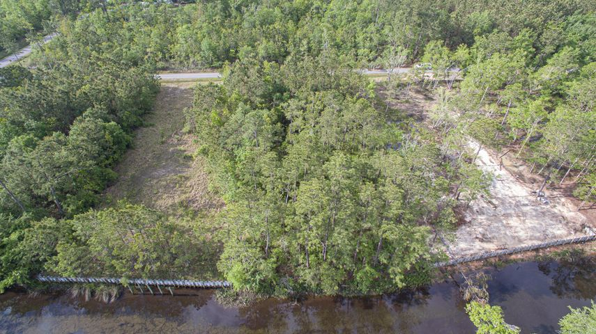 10085 Cain Rd, Bay St. Louis, MS 39520