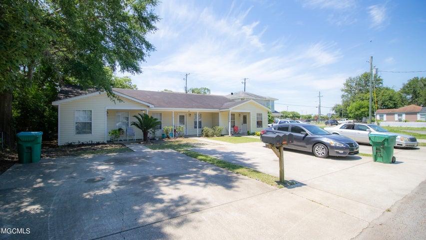 3633 Southward Dr, Gulfport, MS 39501