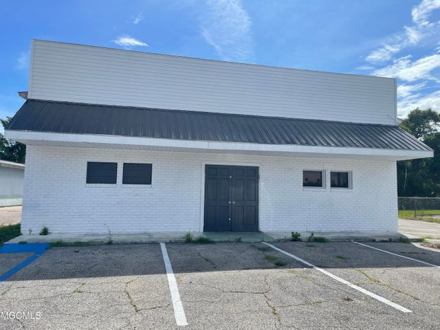 1105 Broad Ave, Gulfport, MS 39501