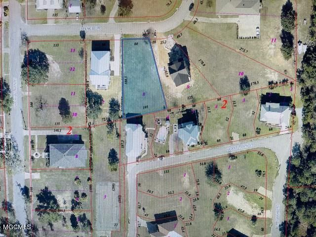 124 Spence Dr, Pass Christian, MS 39571
