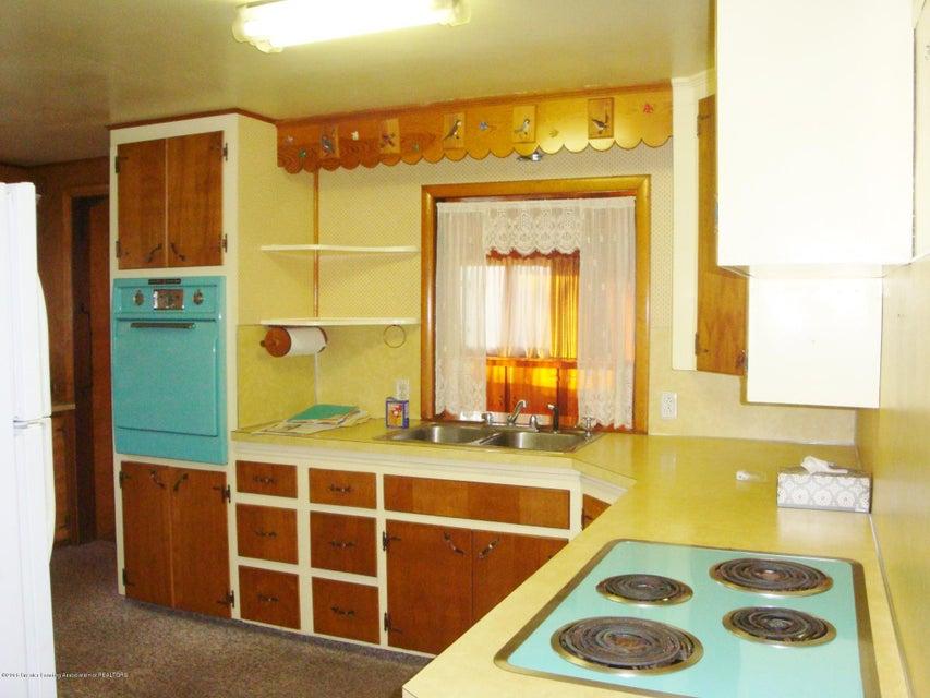 ... 2247 Delhi Street Northeast   Kitchen   6 ...