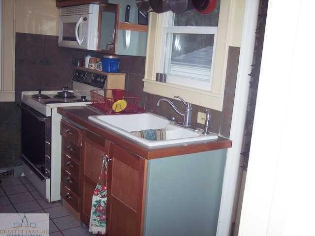 601 Denver Ave - Kitchen - 5