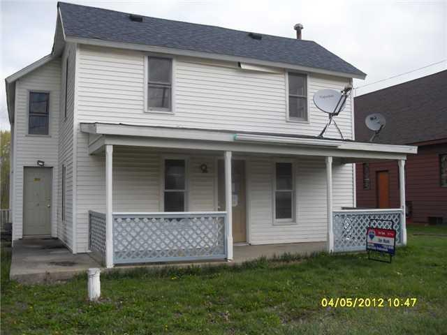 2615 E Maple Rapids Rd - Primary Photo - 1