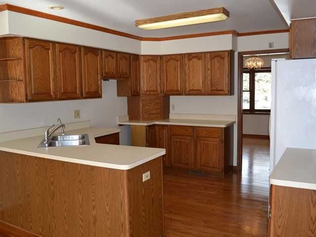 9511 W Allen Rd - Additional Photo - 7