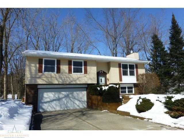 304 Riverview Dr - Primary Photo - 1