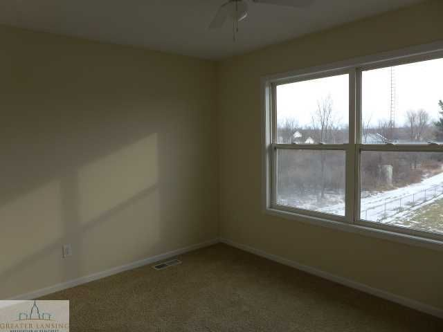 1375 W Parks Rd - Additional Photo - 8