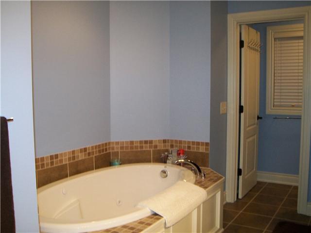 8640 Carlsbad Ln - Additional Photo - 22