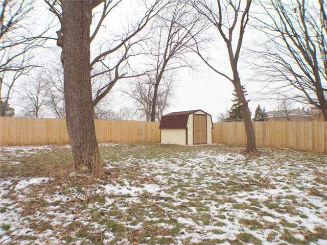 628 Brook St - Additional Photo - 22