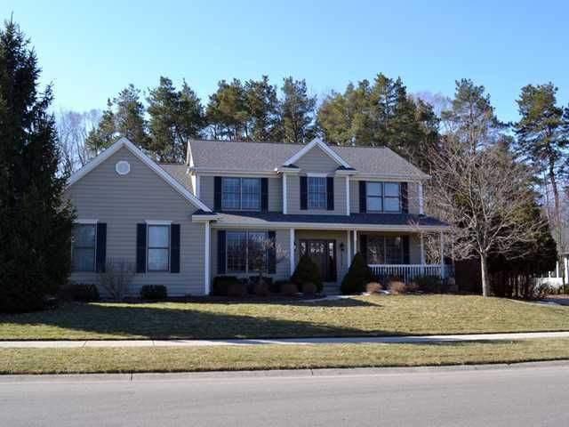 1375 Silverwood Dr - Primary Photo - 1