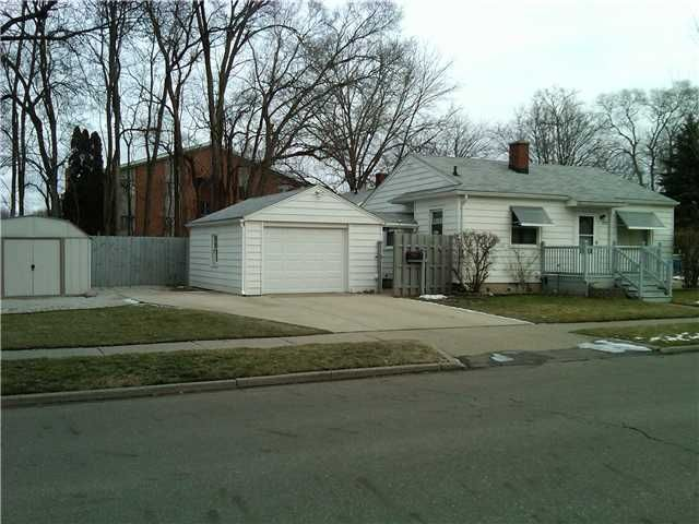 2727 Maplewood Ave - Primary Photo - 1