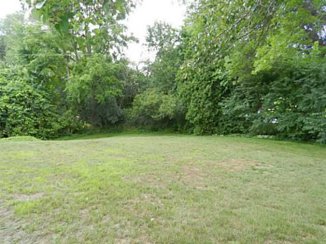 1611 Woodside Dr - Additional Photo - 19