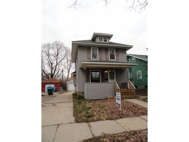 1010 Parker St - Primary Photo - 1
