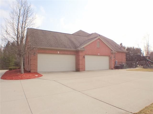 1360 Bridlewood Ln - Additional Photo - 2