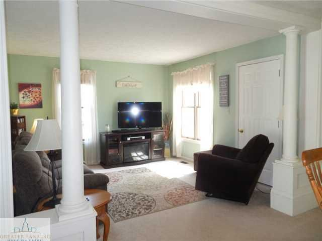 122 W Floral Ave - Additional Photo - 9