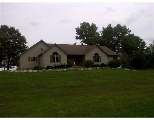 4169 Quest Dr - Primary Photo - 1