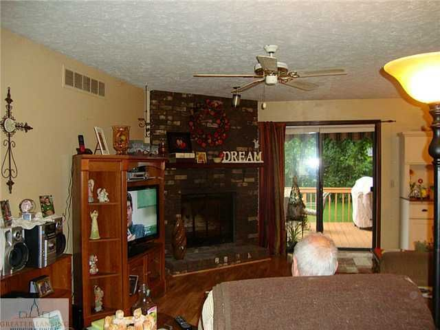 1921 Beacon Hill Dr - Additional Photo - 10