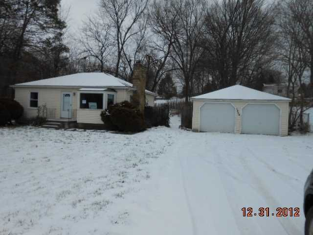 1324 N Waverly Rd - Primary Photo - 1