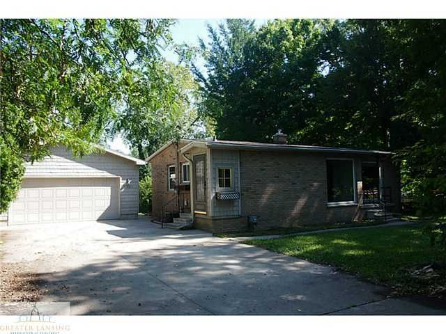 5921 Woodgate Dr - Primary Photo - 1