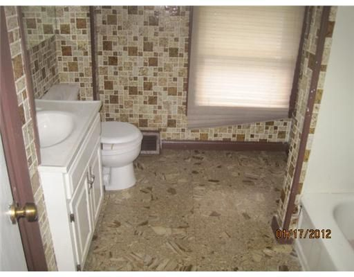 806 N State St - Additional Photo - 10