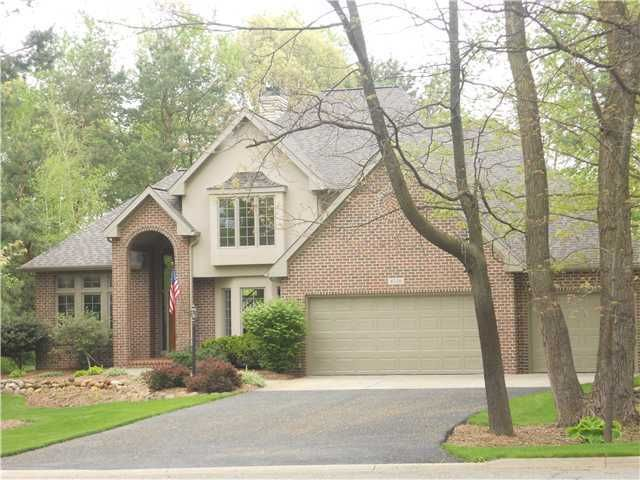 4330 Courtside Dr - Primary Photo - 1