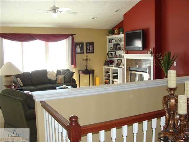 1069 Stonehill Dr - Additional Photo - 8