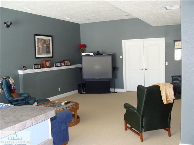 1069 Stonehill Dr - Additional Photo - 16