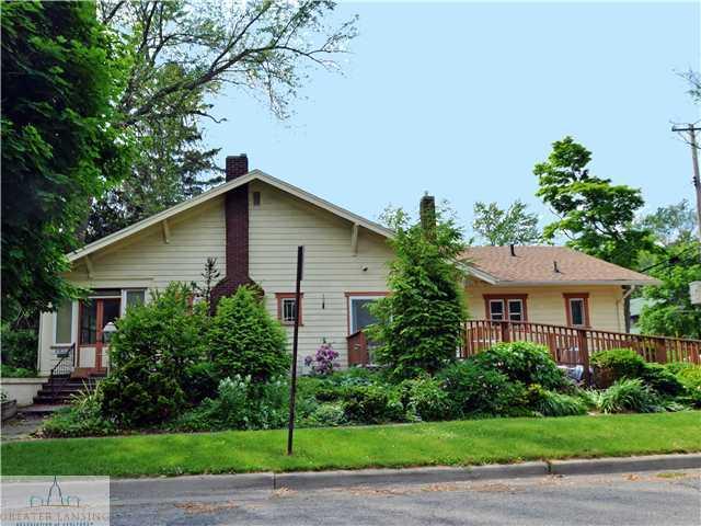 922 E Michigan Ave - Primary Photo - 1