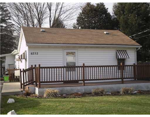 6252 S Washington Ave - Primary Photo - 1