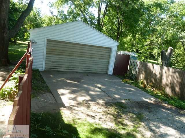529 W Hodge Ave - Additional Photo - 22