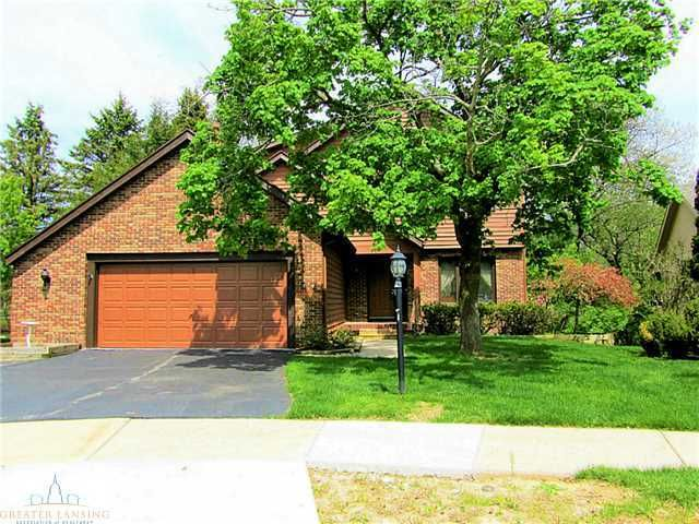 2578 Woodhill Dr - Primary Photo - 1