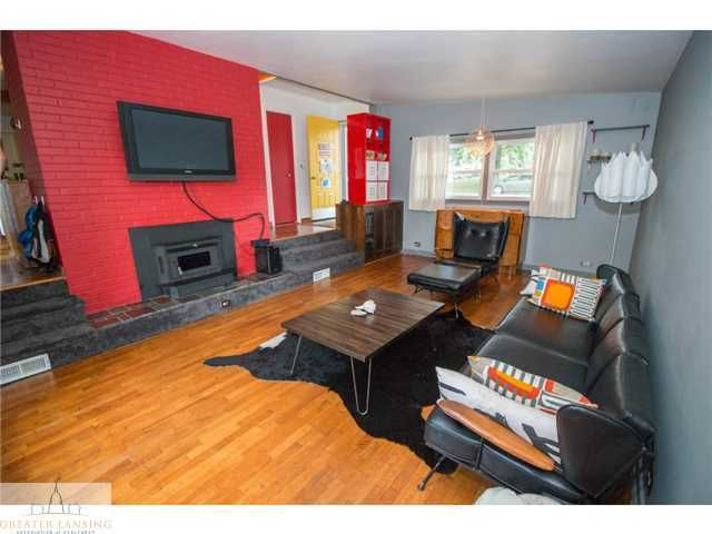 2251 Cumberland Rd - Living Room - 3