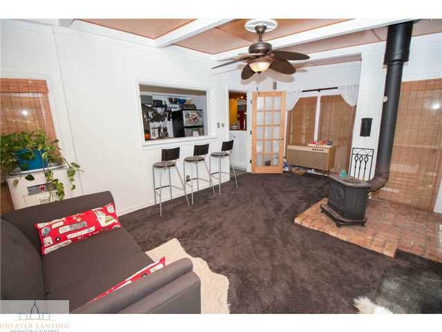 2251 Cumberland Rd - Family Room - 10