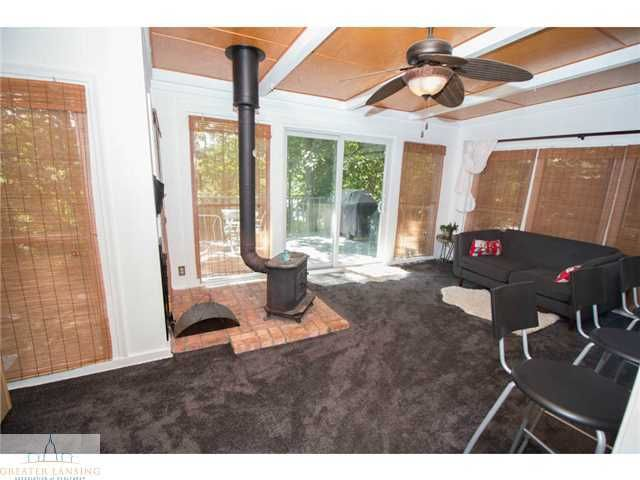 2251 Cumberland Rd - Family Room - 11