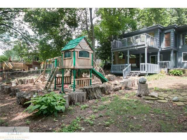 2251 Cumberland Rd - Yard with Playset - 25