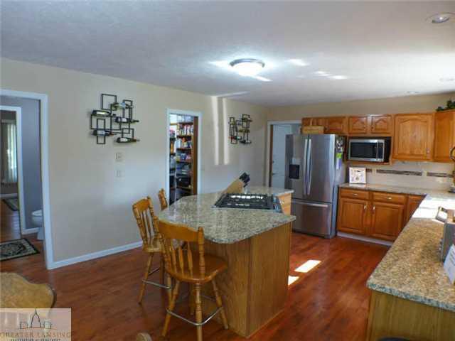218 Oakwood Dr - Kitchen - 10