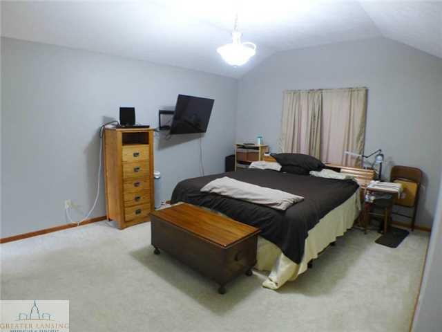 218 Oakwood Dr - Master Bedroom - 14