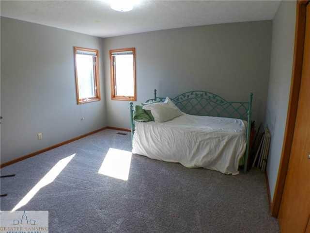 218 Oakwood Dr - Bedroom 3 - 18