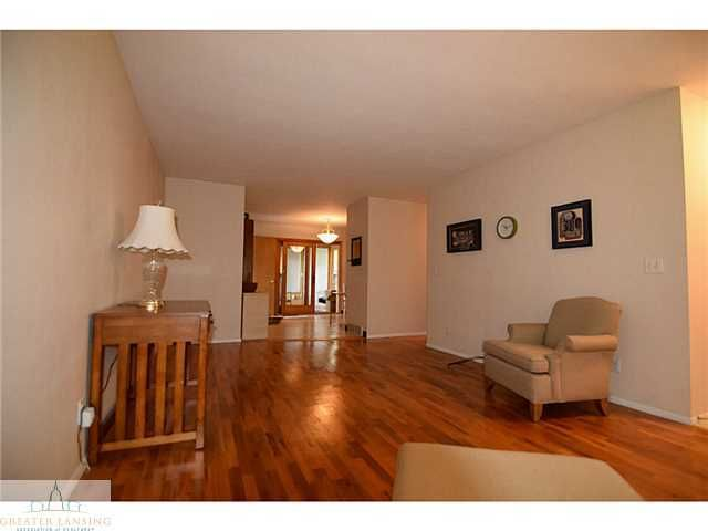 1609 S Holly Way - Additional Photo - 9