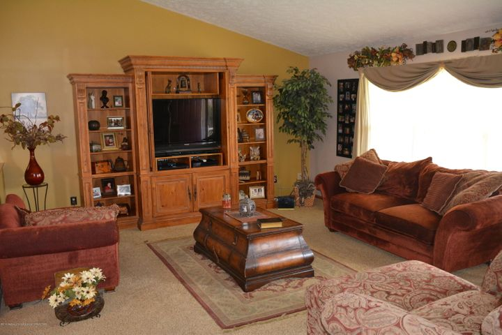 1243 Nicholas Ln - Living Room - 6